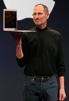 Steve Jobs Dengan Macbook Air â€