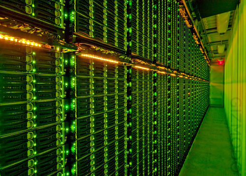 500x_msft_datacenter_top_image_wtrmk_02